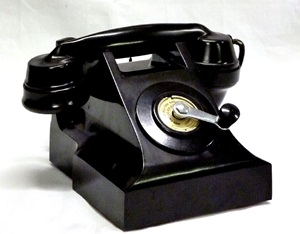 Magneto Telephone, table handset (H3086)